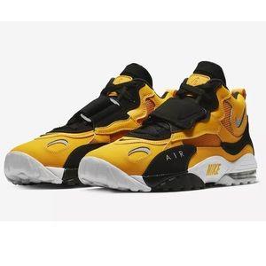 Nike Air Max Speed Turf Yellow Gold Black Sz 9.5.